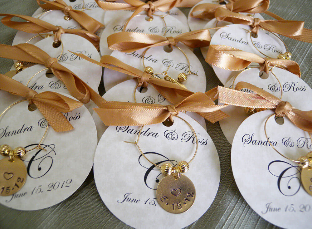 Personalized wedding gifts ideas and unique wedding gifts for Wedding favor supplies